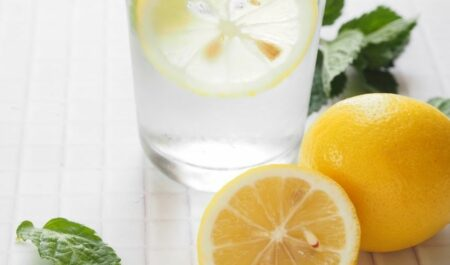Lose Weight Without Cardio - adding lemon to water