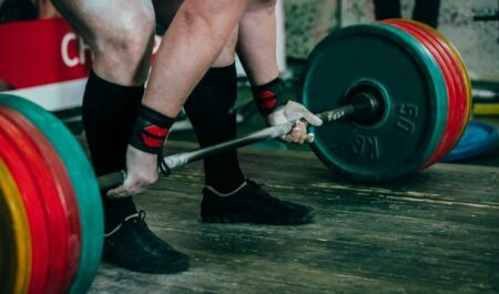 Best Way To Lose Weight Fast For Men - Lifting weights