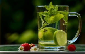 lemon water and low-calorie foods