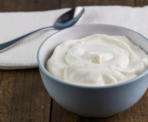 healthy late night snacks - Greek Yogurt