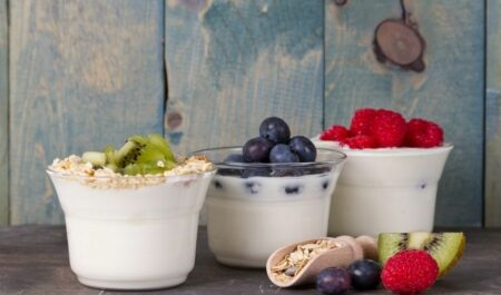 does yogurt cause gas and bloating - fruited yogurts