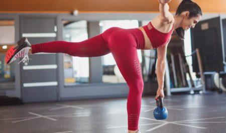Kettlebell Leg Workout - Kettlebell single leg deadlift