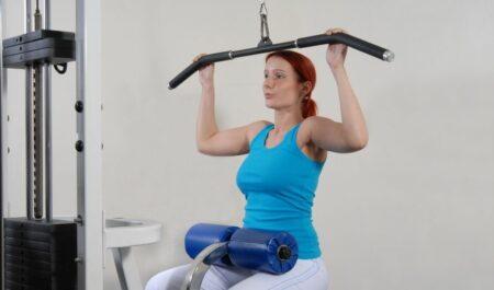 Wide Grip Lat Pulldown - Close Grip Lat Pulldown