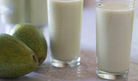 Avocado Greek yogurt Smoothies