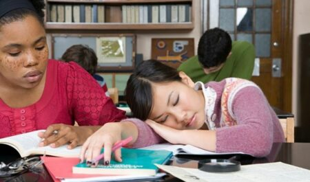 How Long Does It Take To Fall Asleep - asleep in class room