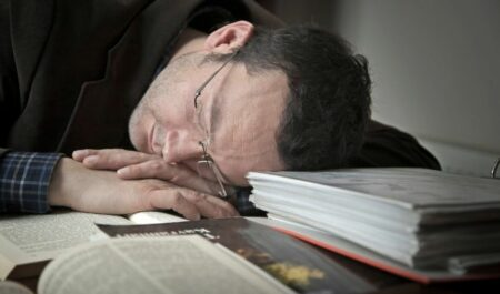How Long Does It Take To Fall Asleep - reading and fall asleep