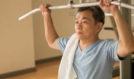 Flabby Arm Exercises For Seniors - lat pulldown for senior